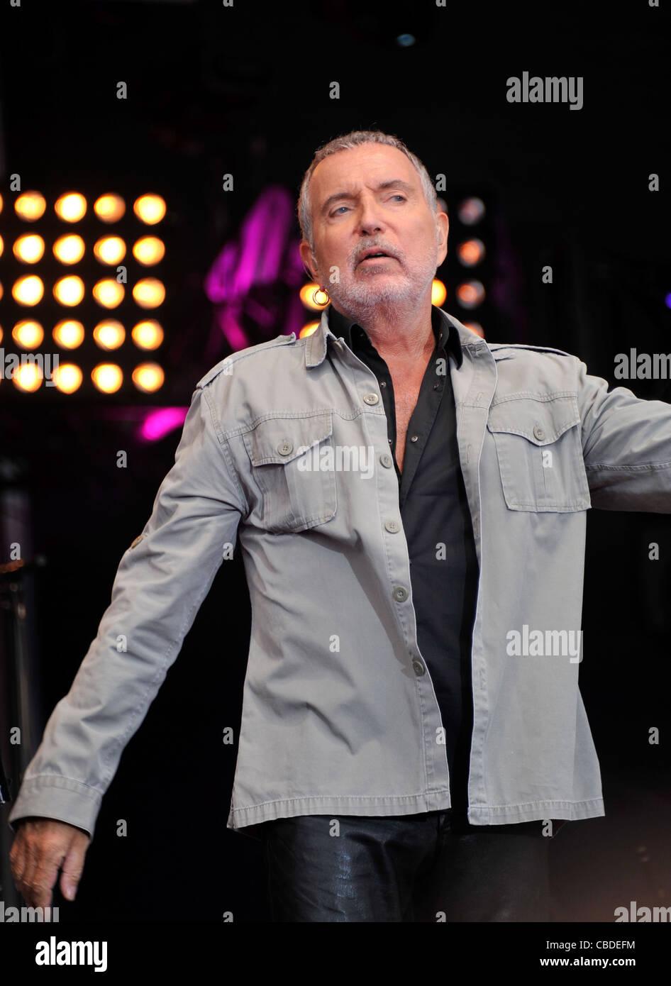 Bernard Lavilliers en concert sur la scene de la fête de l'humanité a La Courneuve France le 18/09/2011 - Stock Image