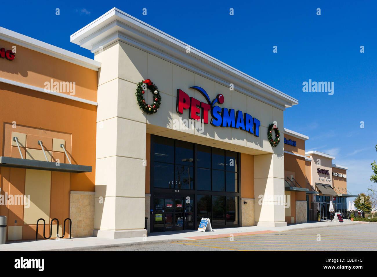 PetSmart store at Posner Park retail development, Davenport, Central Florida, USA - Stock Image