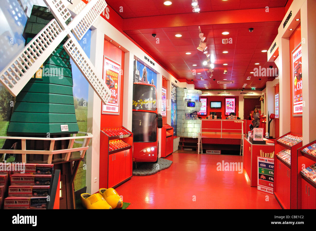 'Tours and Tickets' agency, Damrak, Amsterdam, Noord-Holland, Kingdom of the Netherlands - Stock Image