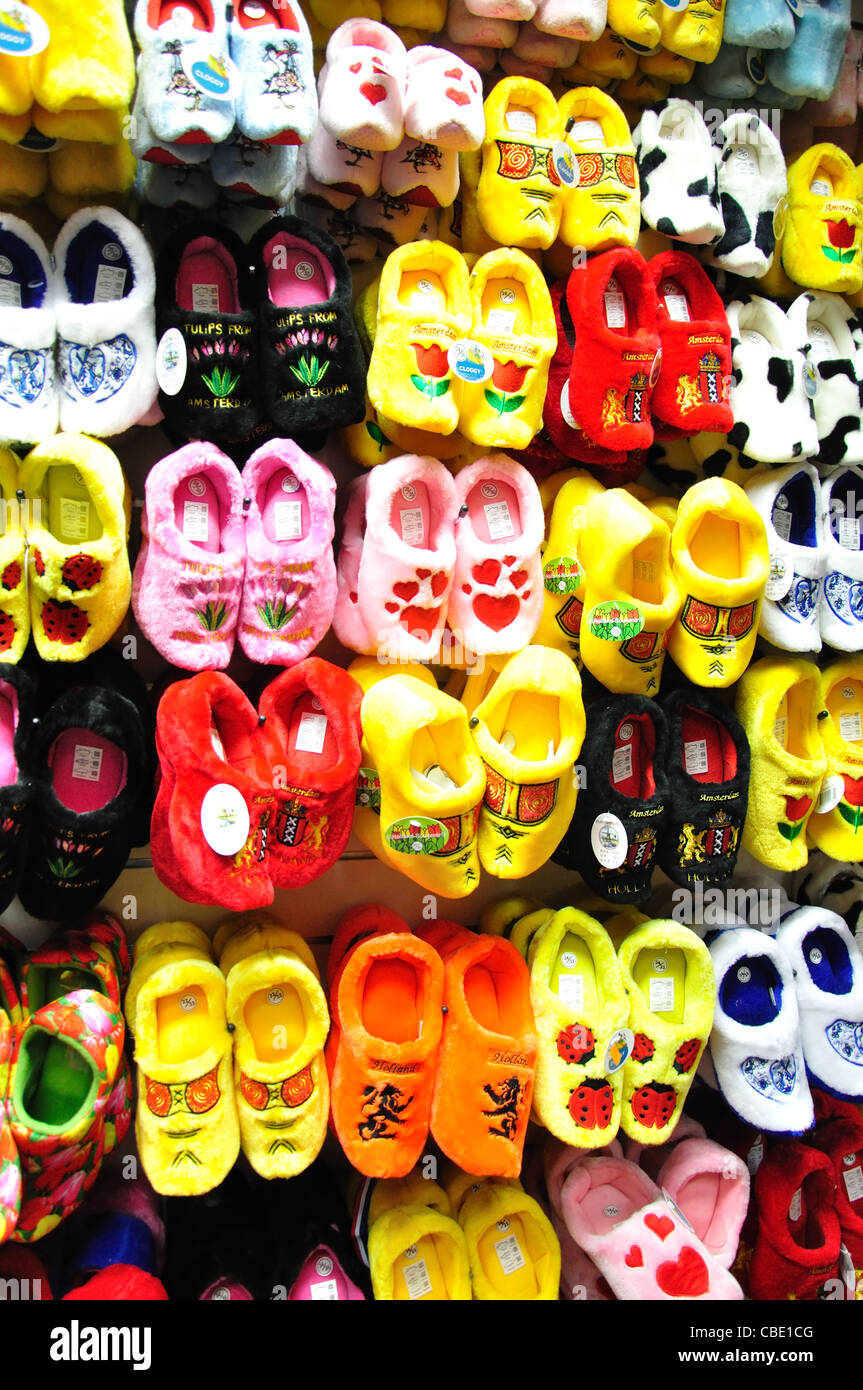 Fluffy clogs in tourist shop, Damrak, Amsterdam, Noord-Holland, Kingdom of the Netherlands - Stock Image