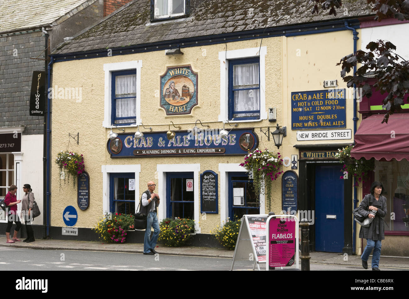 Truro, Cornwall, England, UK, Britain. The White Hart crab and ale house city pub - Stock Image