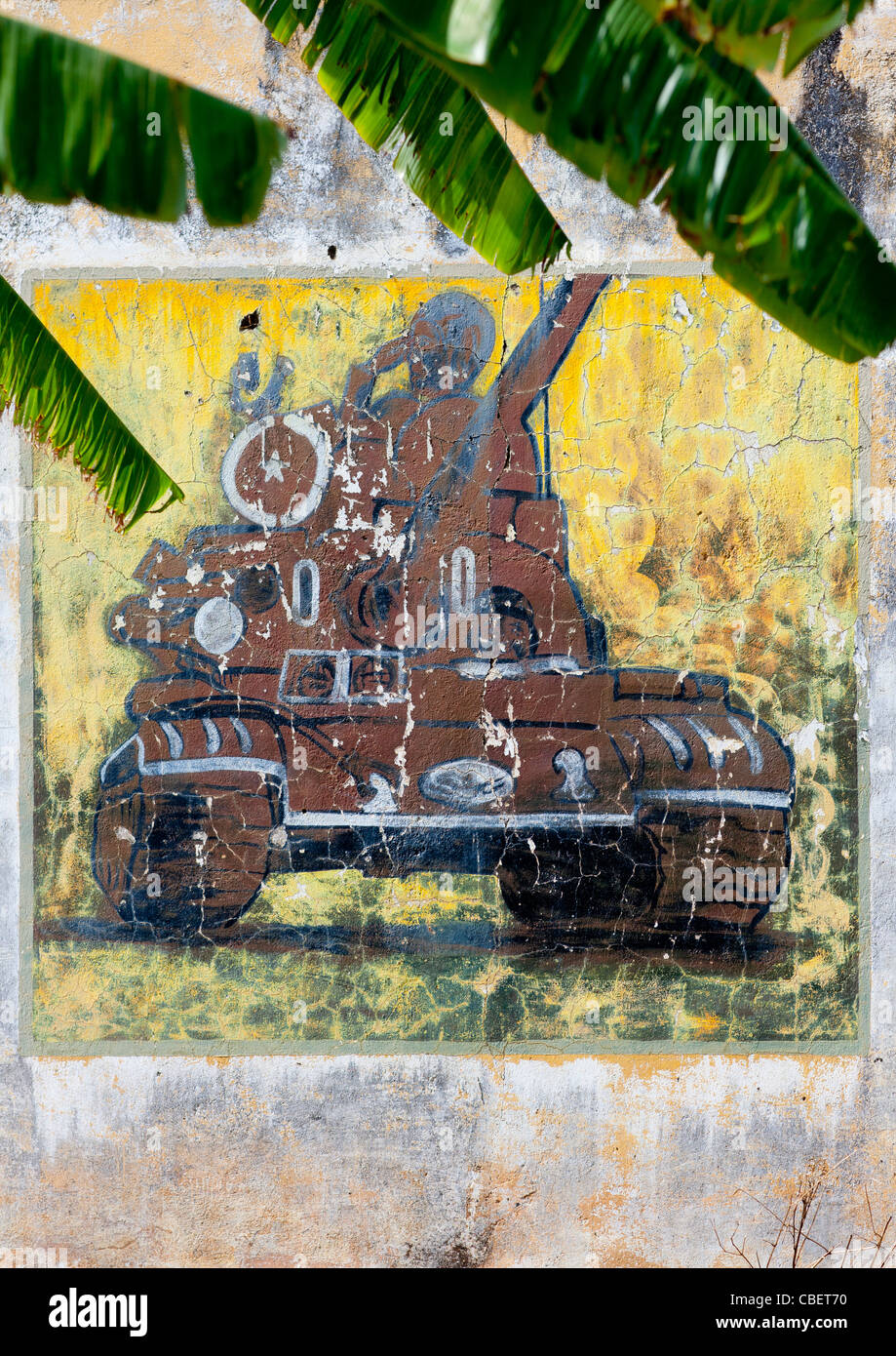 Painting Of A Tank On A Wall In Lubango, Angola - Stock Image