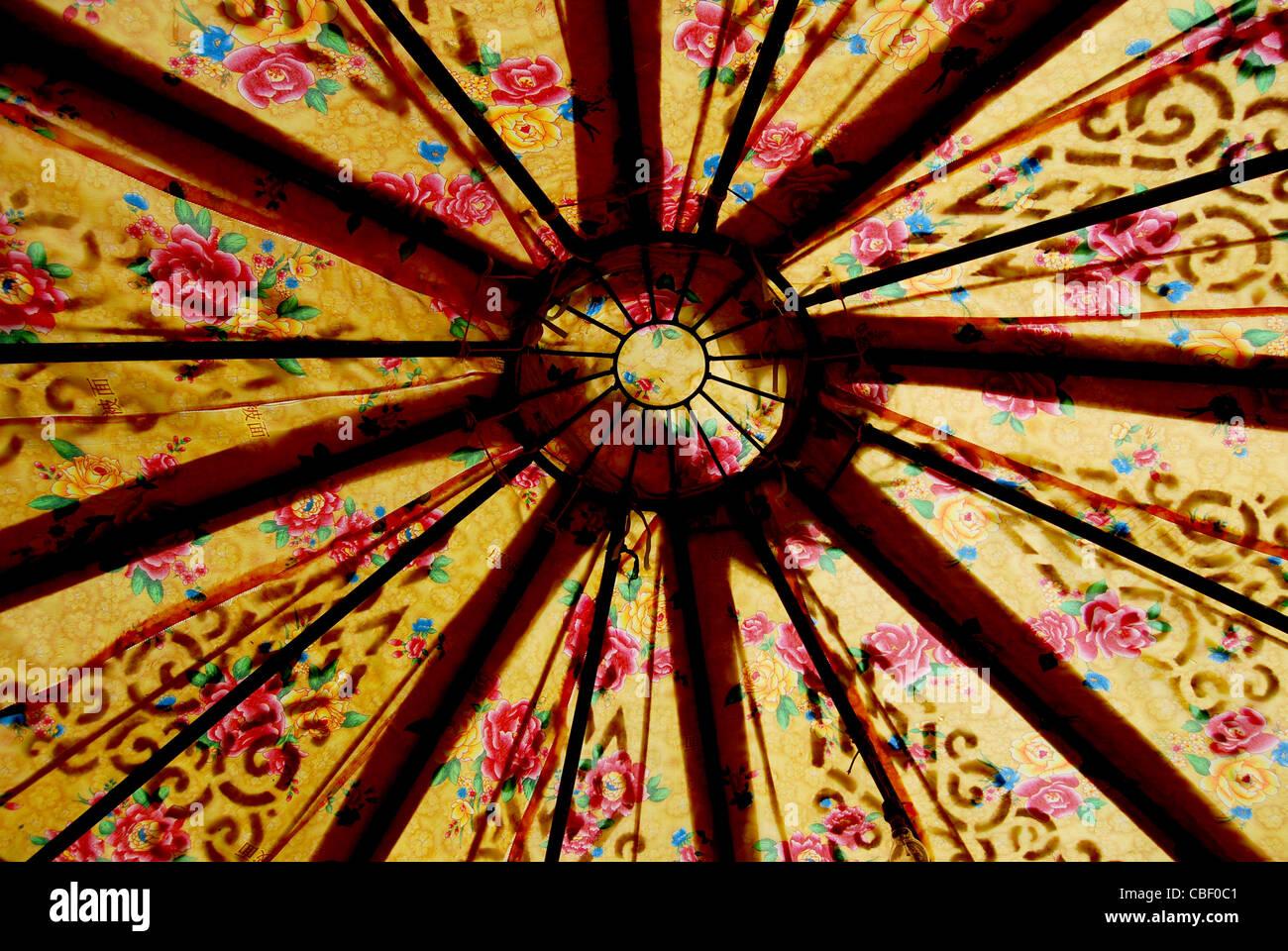 Tibet, Tibetan Floral pattern in a nomadic tent - Stock Image