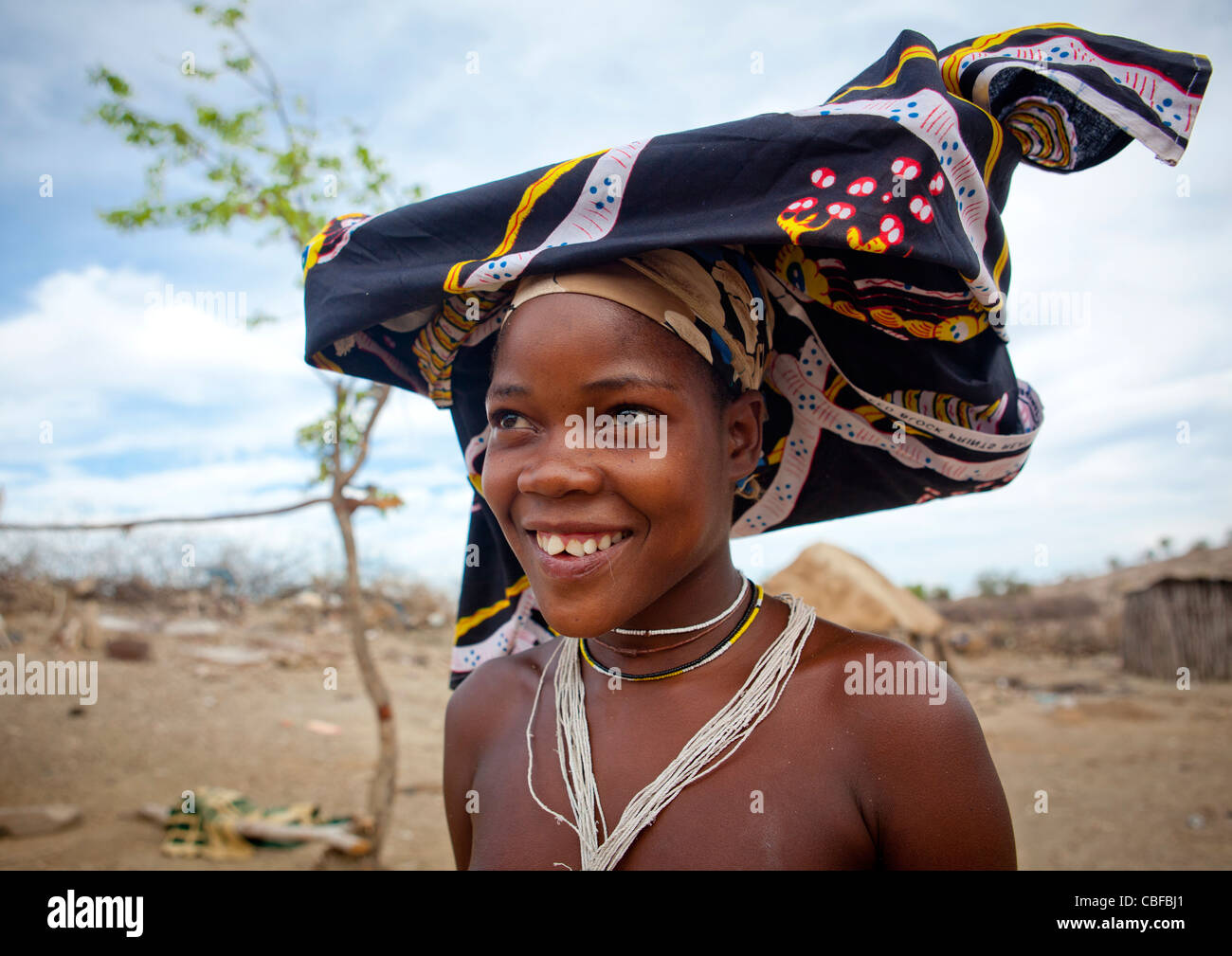 Mucubal Woman With Ompota Headdress, Virie Area, Angola - Stock Image