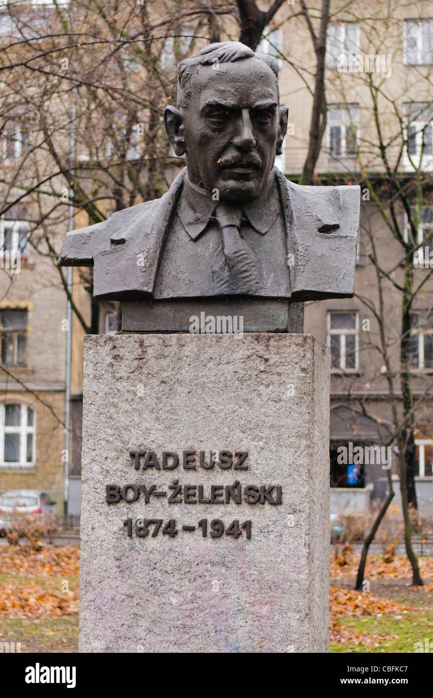 Statue to Tadeusz Boy-Żeleński, writer, poet, critic (21/12/1874–04/07/1941) Stock Photo
