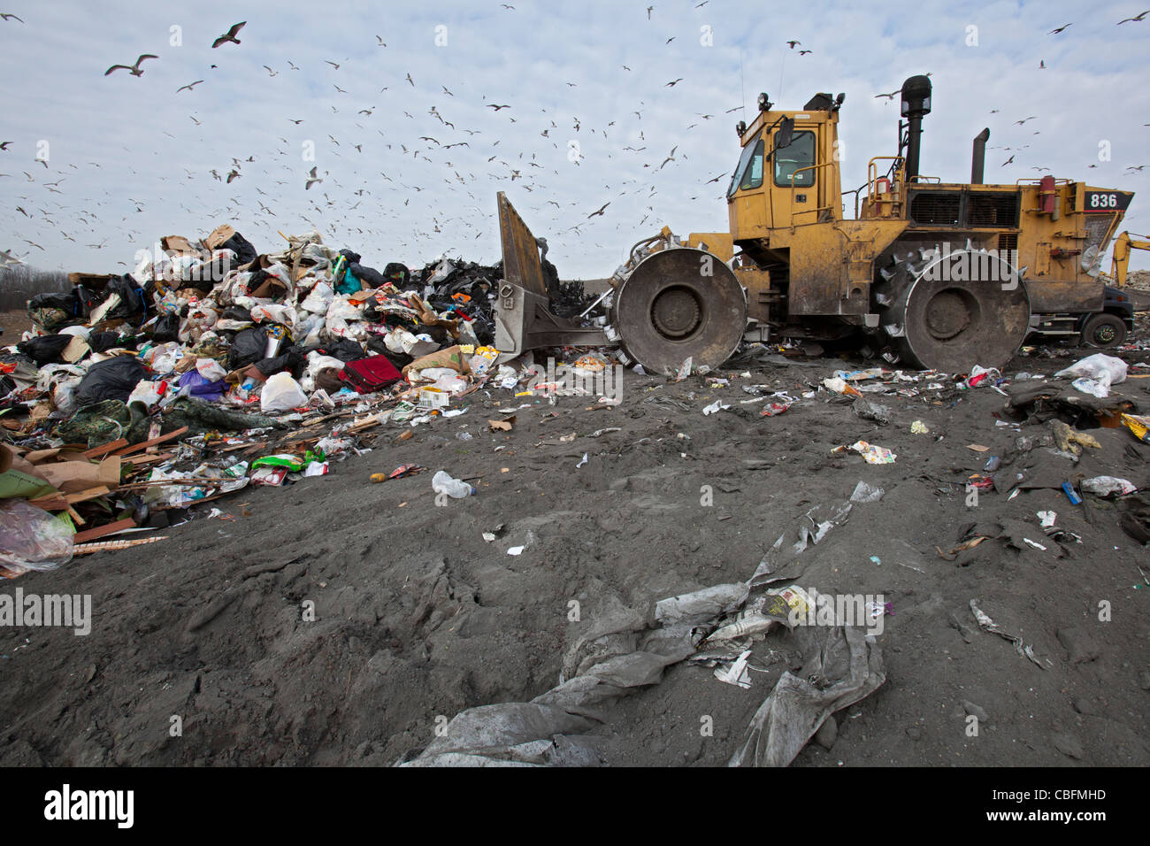 Smith's Creek, Michigan - A bulldozer levels and compacts garbage at St. Clair County's Smith's Creek - Stock Image