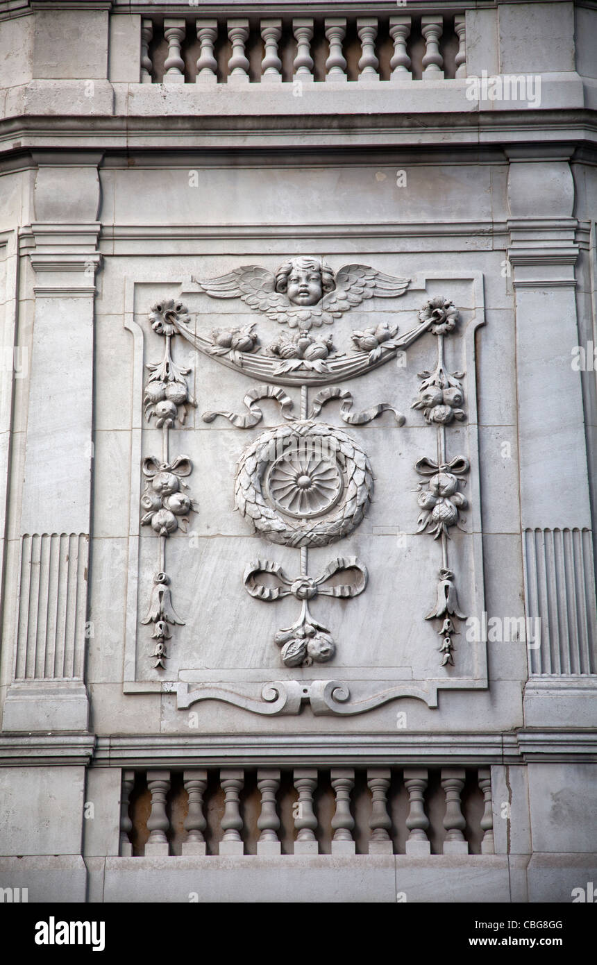 24 Portland Place - Relief Carving on stone wall - London UK - Stock Image