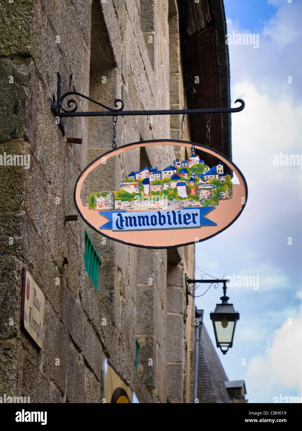 Immobilier - Real Estate Agent - shop sign, France - Stock Image