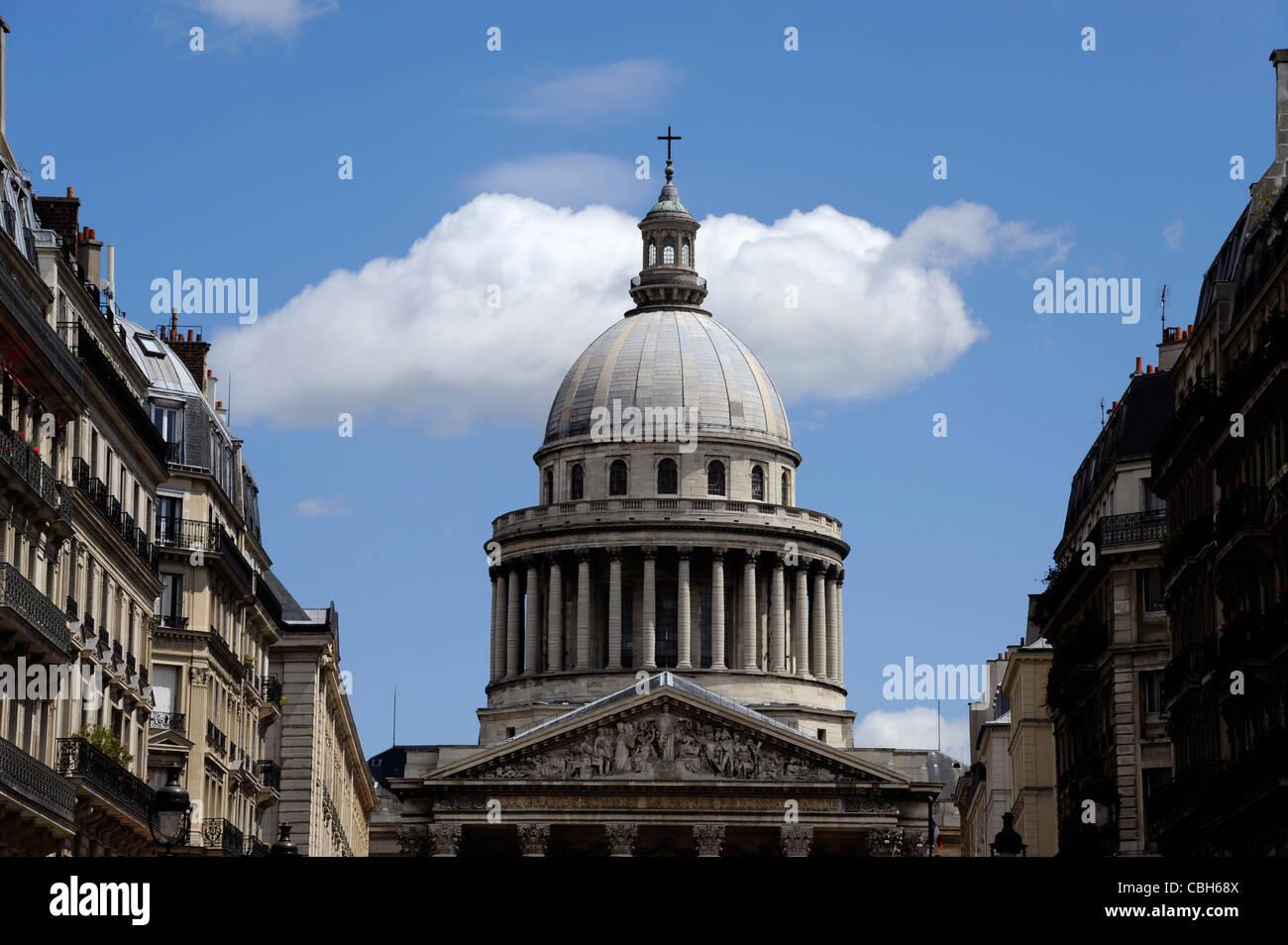 Eglise du Pantheon,Paris 5,Quartier Latin Pediment by David d'Angers Aux Grands Hommes La Patrie Reconnaissante - Stock Image