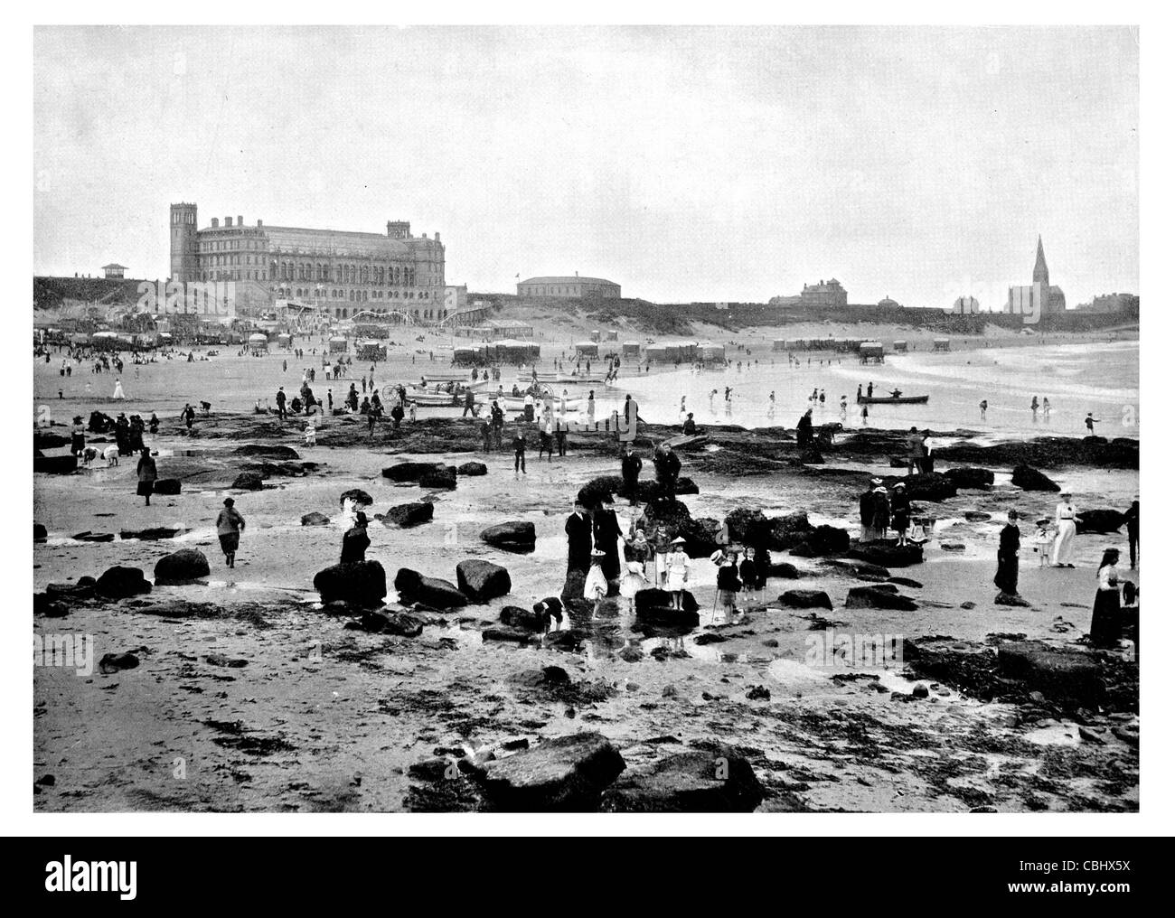 Tynemouth Tyne Wear England Grand Parade Undersea aquatic park Seal Cove rock pool beach paddling Victorian era - Stock Image