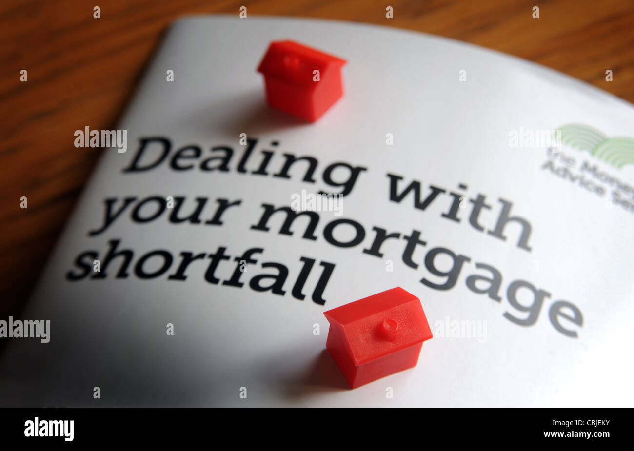 DEALING WITH YOUR MORTGAGE SHORTFALL INFO LEAFLET WITH MODEL HOUSES RE ENDOWMENT MORTGAGE SHORTFALL MORTGAGES NEGATIVE - Stock Image