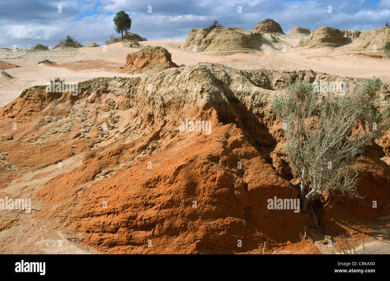 Walls of China at Lake Mungo, a dry lake in the Outback of Southwestern New South Wales, Australia - Stock Image