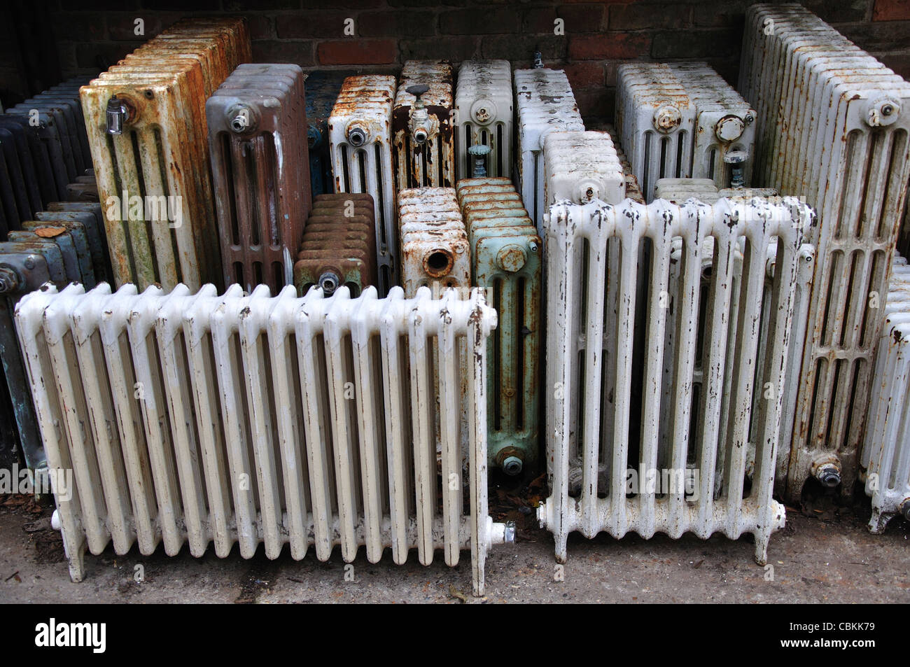 Antique Radiators Stock Photos Images Alamy Lincoln Sa 200 Radiator A Collection Of Old And Uk Image