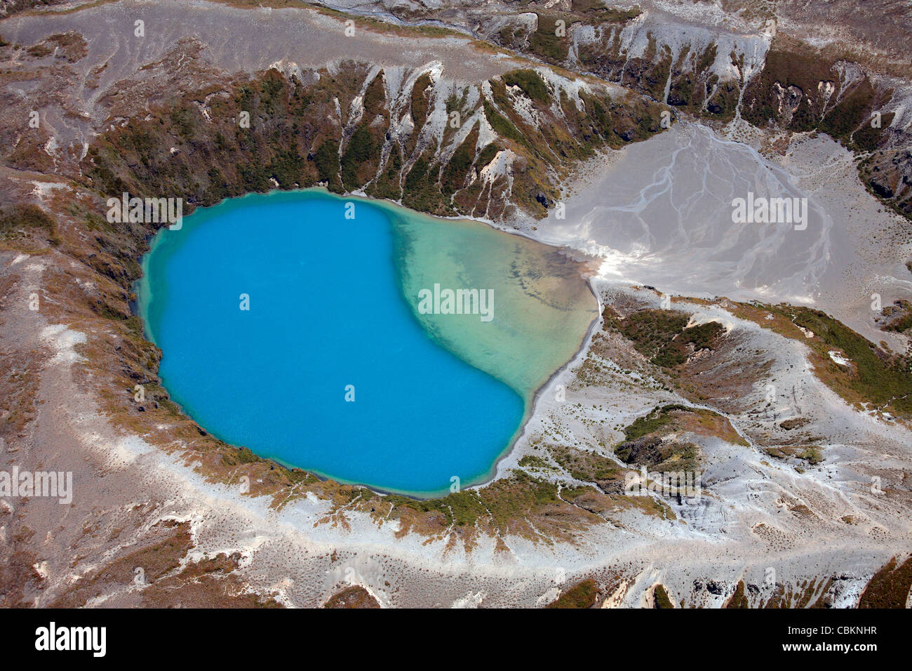 November 2007 - Aerial view of crater lake in Tongariro volcanic complex, New Zealand. - Stock Image
