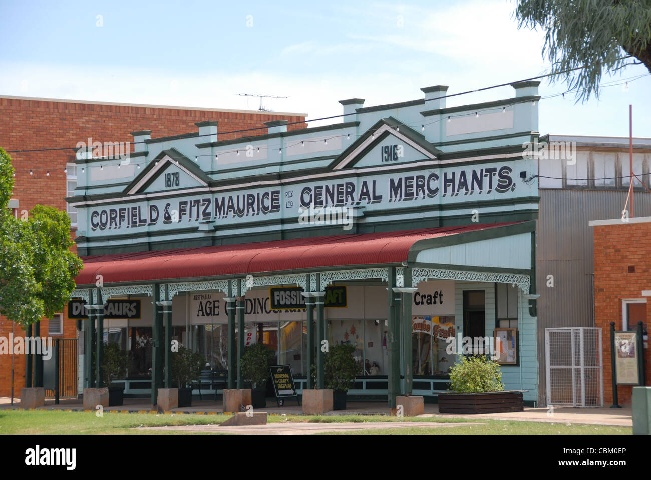 The heritage-listed Corfield and Fitzmaurice building in Winton, once home to the Australian Age of Dinosaurs Museum, - Stock Image