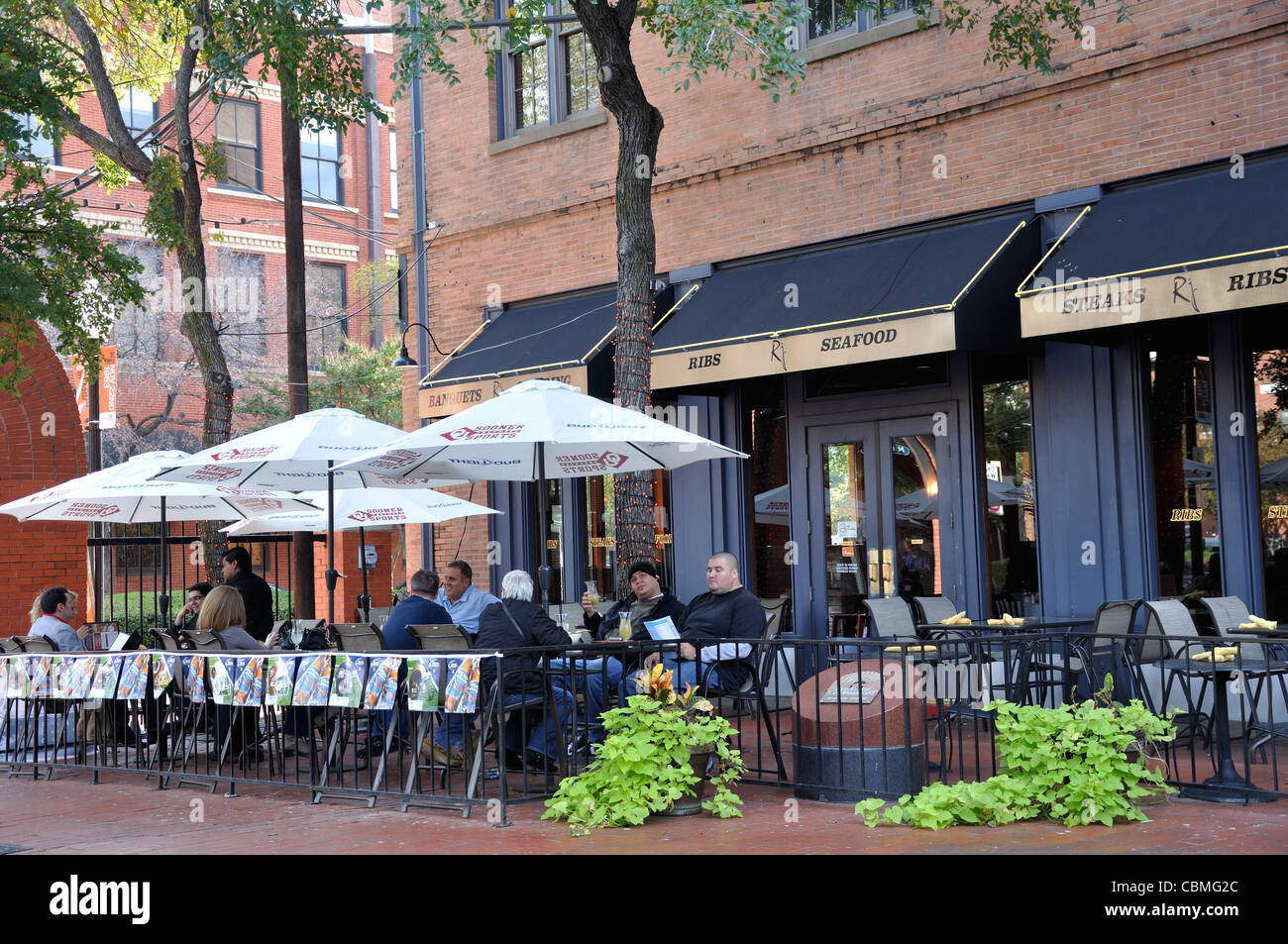 Restaurant West End In Downtown Dallas Texas Usa Stock