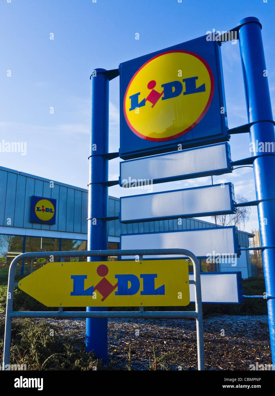 LIDL supermarket signs outside the store in Fakenham, Norfolk. - Stock Image