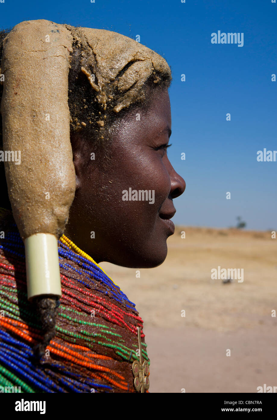 Mumuhuila Woman With The Traditional Giant Necklace, Hale Village, Angola - Stock Image