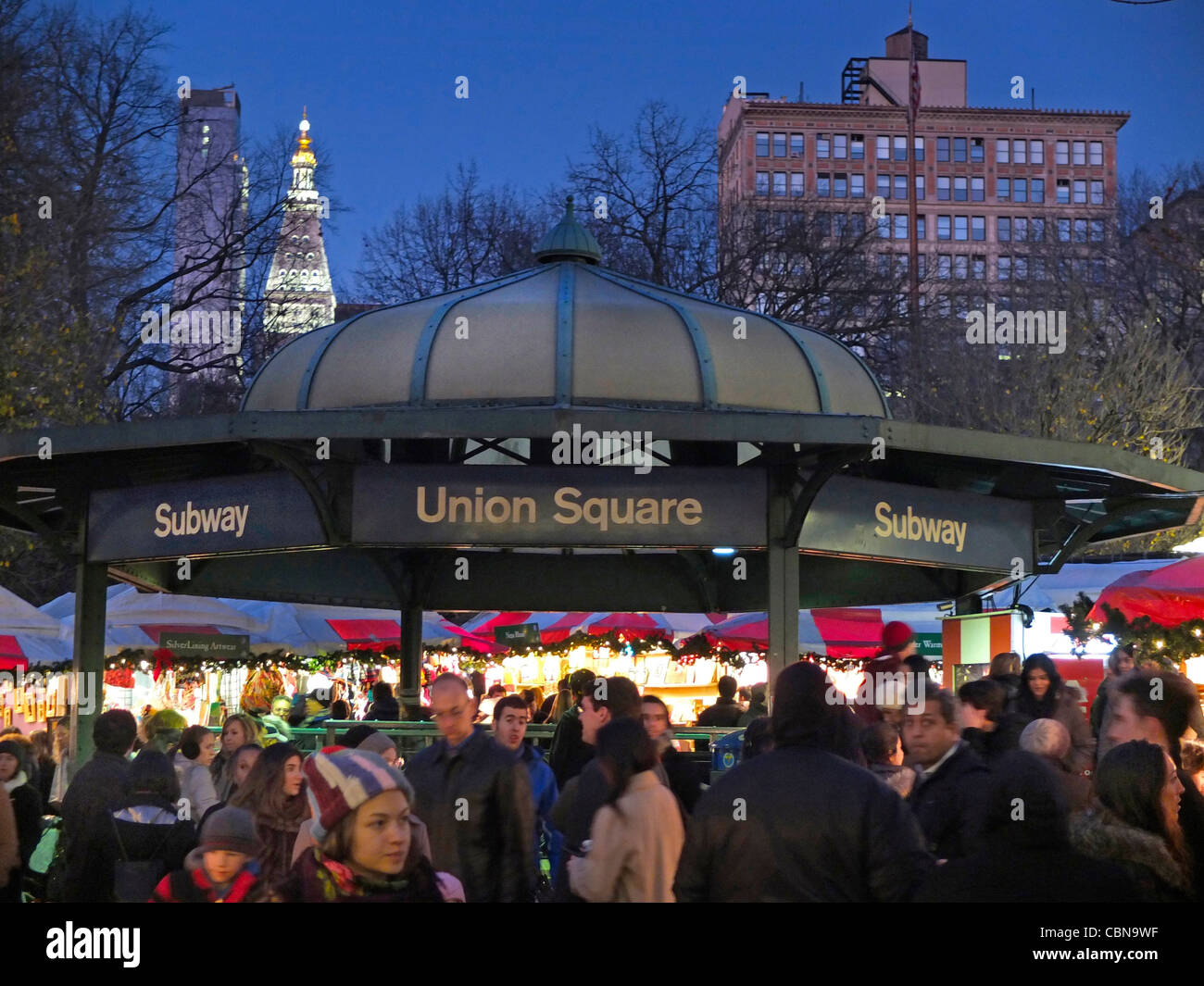 Christmas shoppers at Union Square Park - Stock Image