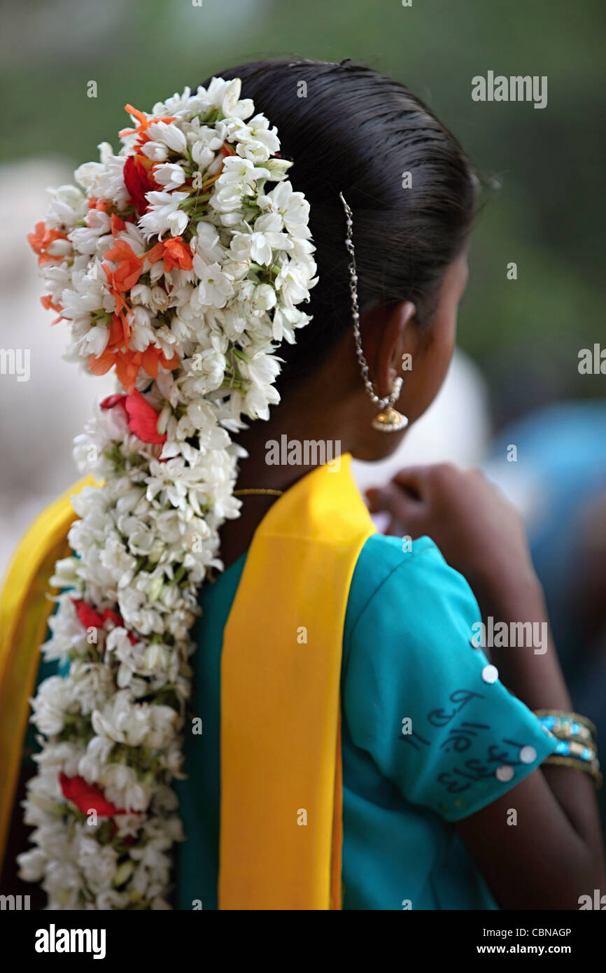 India jasmine stock photos india jasmine stock images alamy garland of flowers on a young indian girl andhra pradesh south india stock image izmirmasajfo