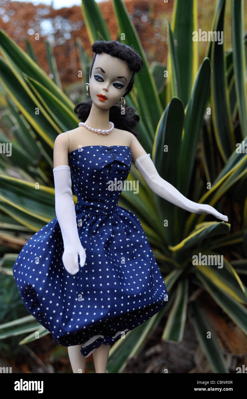 1959 1 Vintage Barbie Wearing 1959 Gay Parisienne Dress