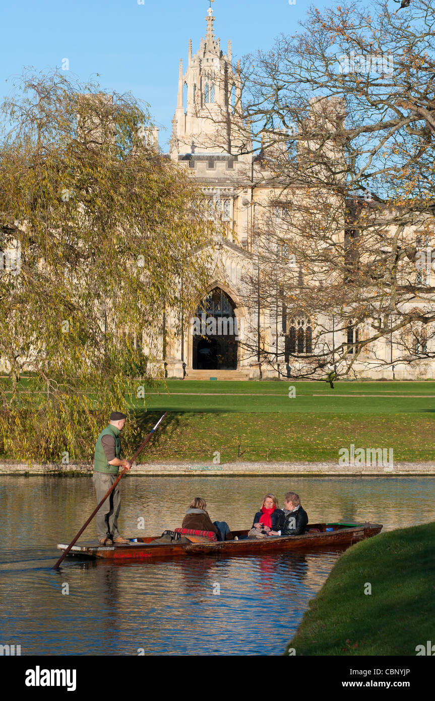Punting on river Cam with St Johns College to the rear, Cambridge, Cambridgeshire, UK. - Stock Image