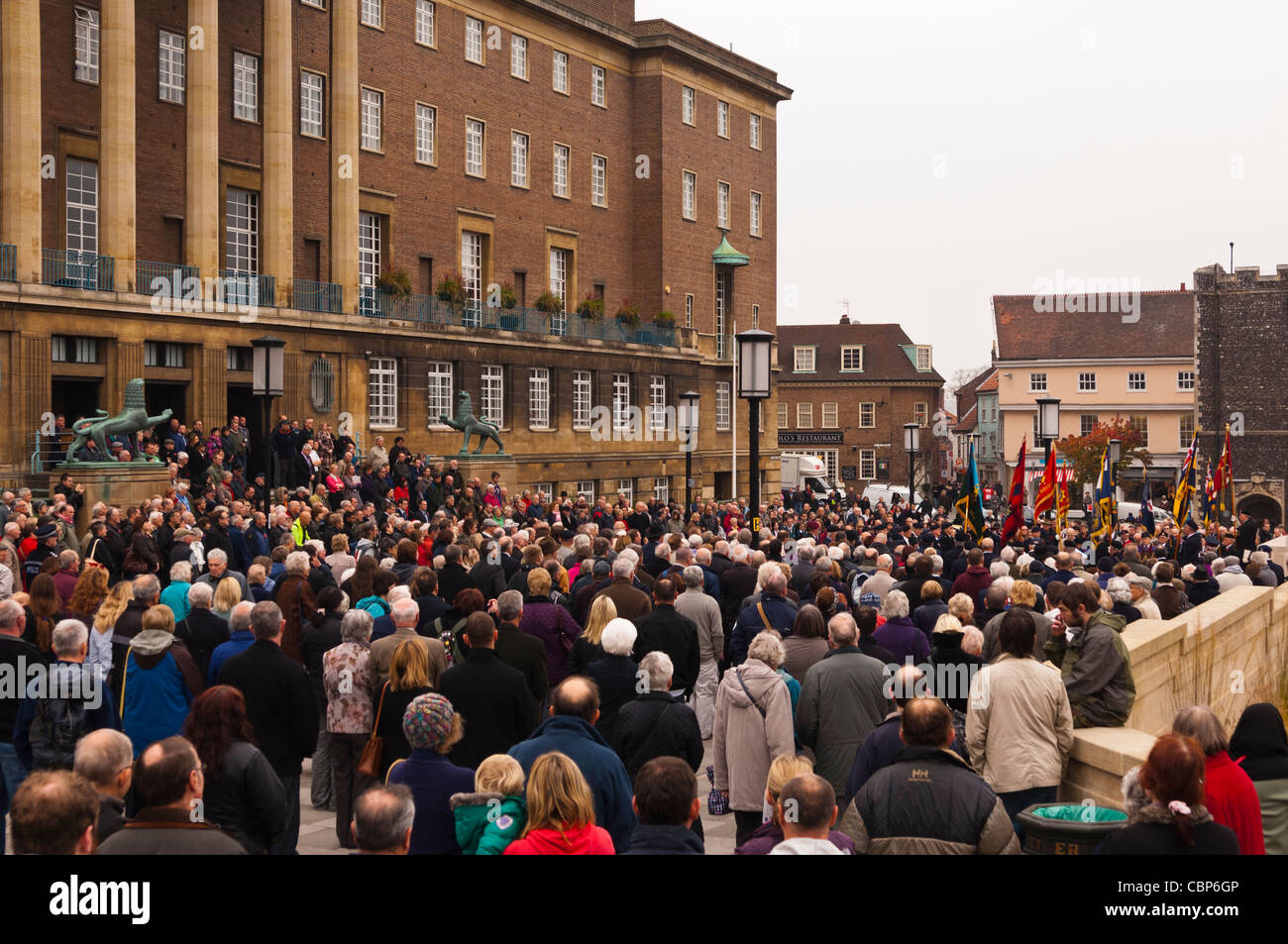 Remembrance Day ( also known as Poppy Day or Armistice Day ) outside the City Hall in Norwich , Norfolk , England Stock Photo