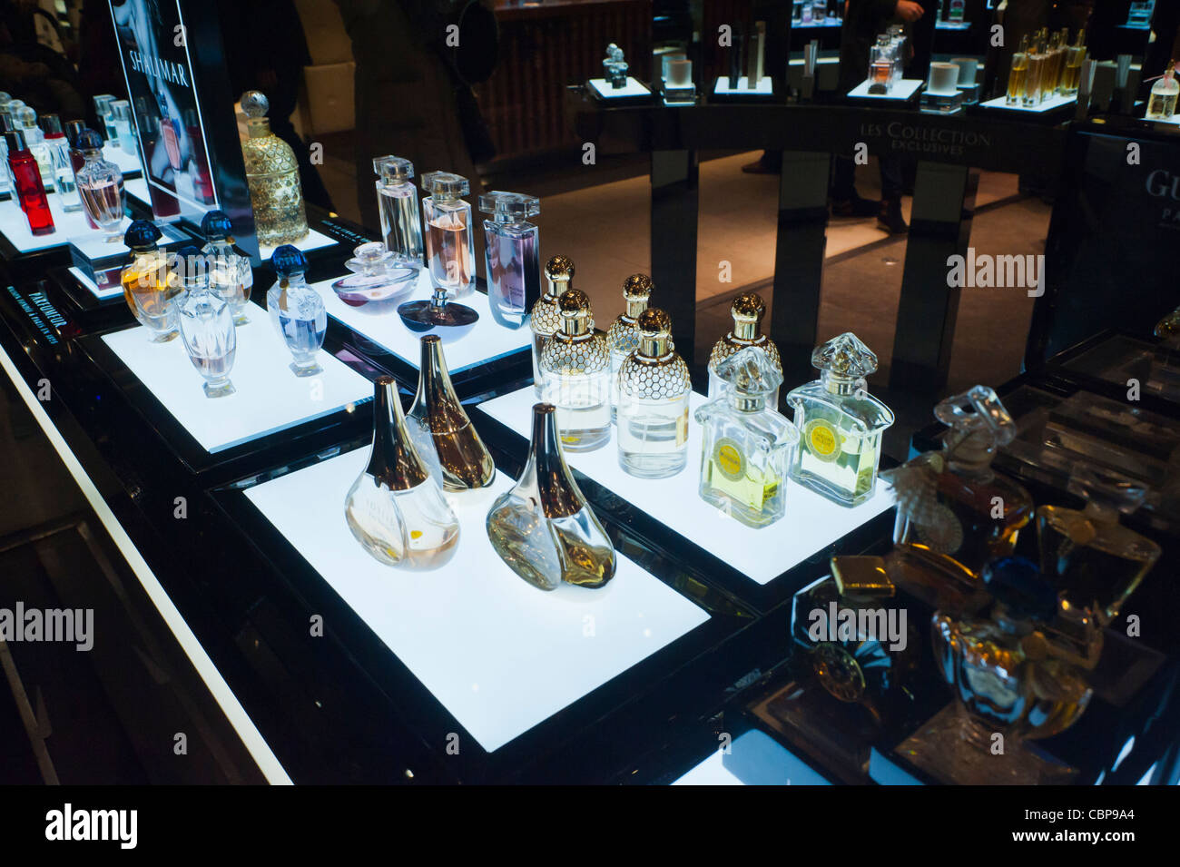 Pa-ris, France, Guerlain perfumes Counter, inside Galeries Lafayettes Department Store, Christmas Shopping Stock Photo