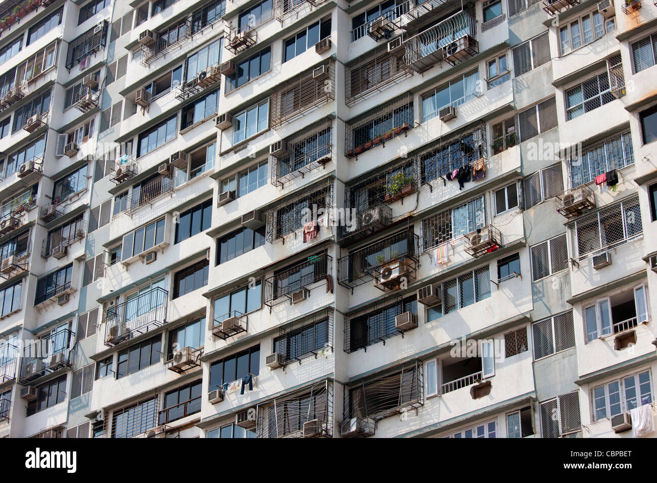 Tenement block in Mumbai, formerly Bombay, Maharashtra, India - Stock Image