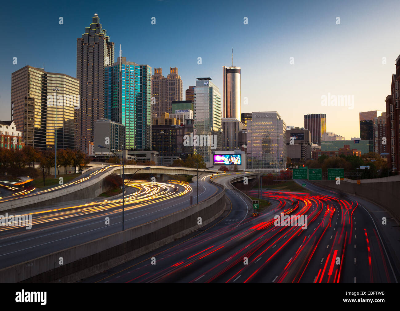 The I-85 highway and midtown Atlanta in the late afternoon - Stock Image