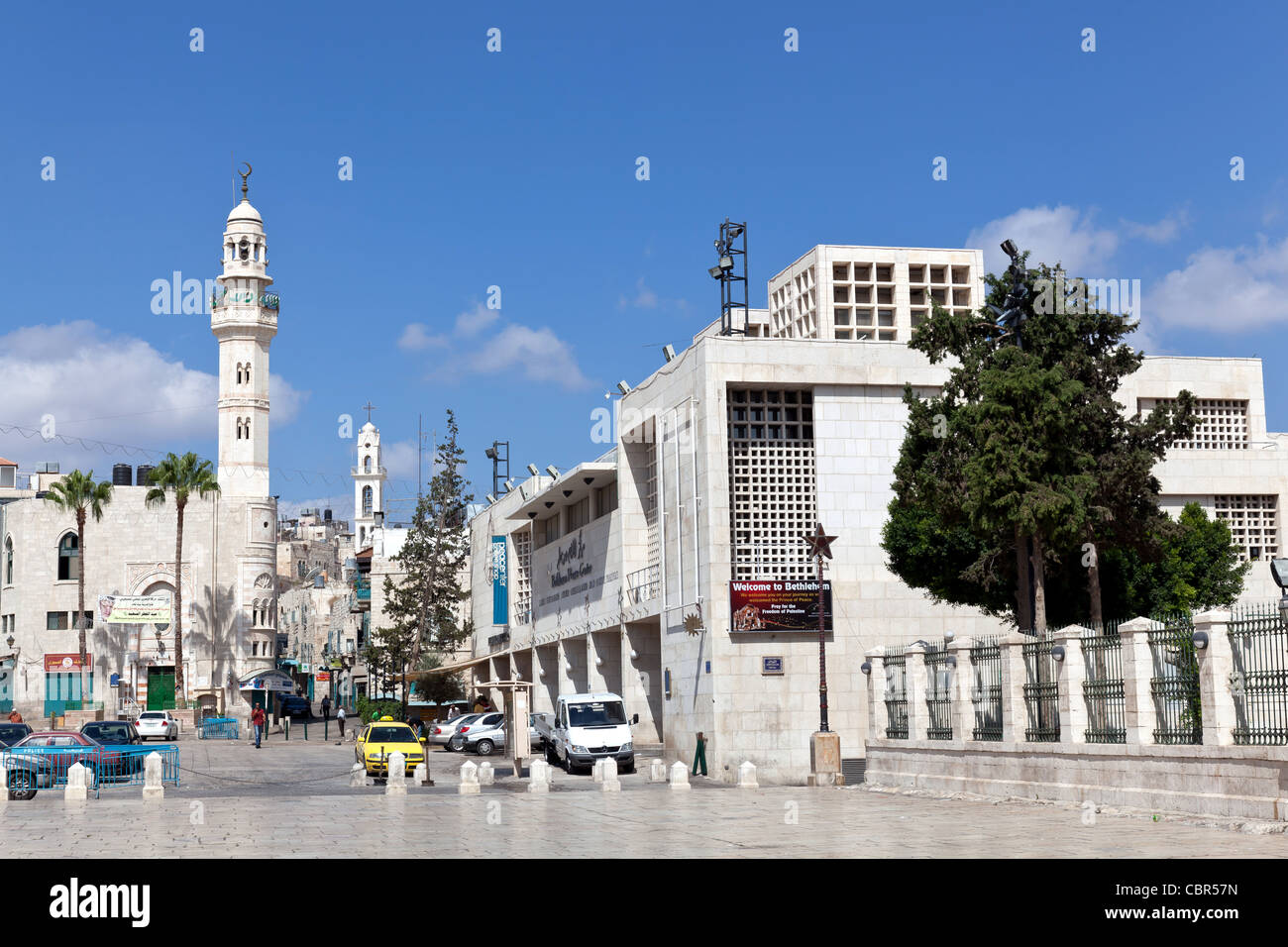 Palestin. A tall minaret stands in Manger Square in Bethlehem - Stock Image
