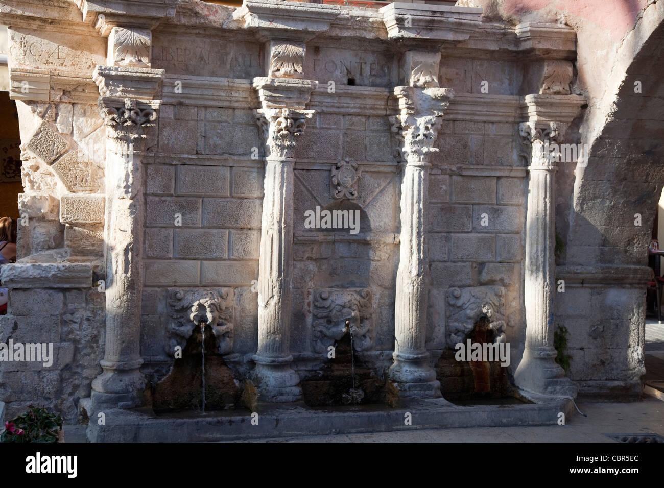 The Venetian Rimondi fountain, Rethymnon, Crete, Greece. - Stock Image