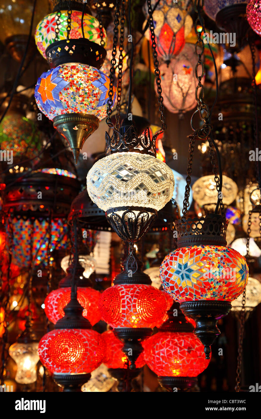 A shop with beautiful oriental style lamps in  Kapali Carsi ('Covered Market'), Istanbul, Turkey. - Stock Image