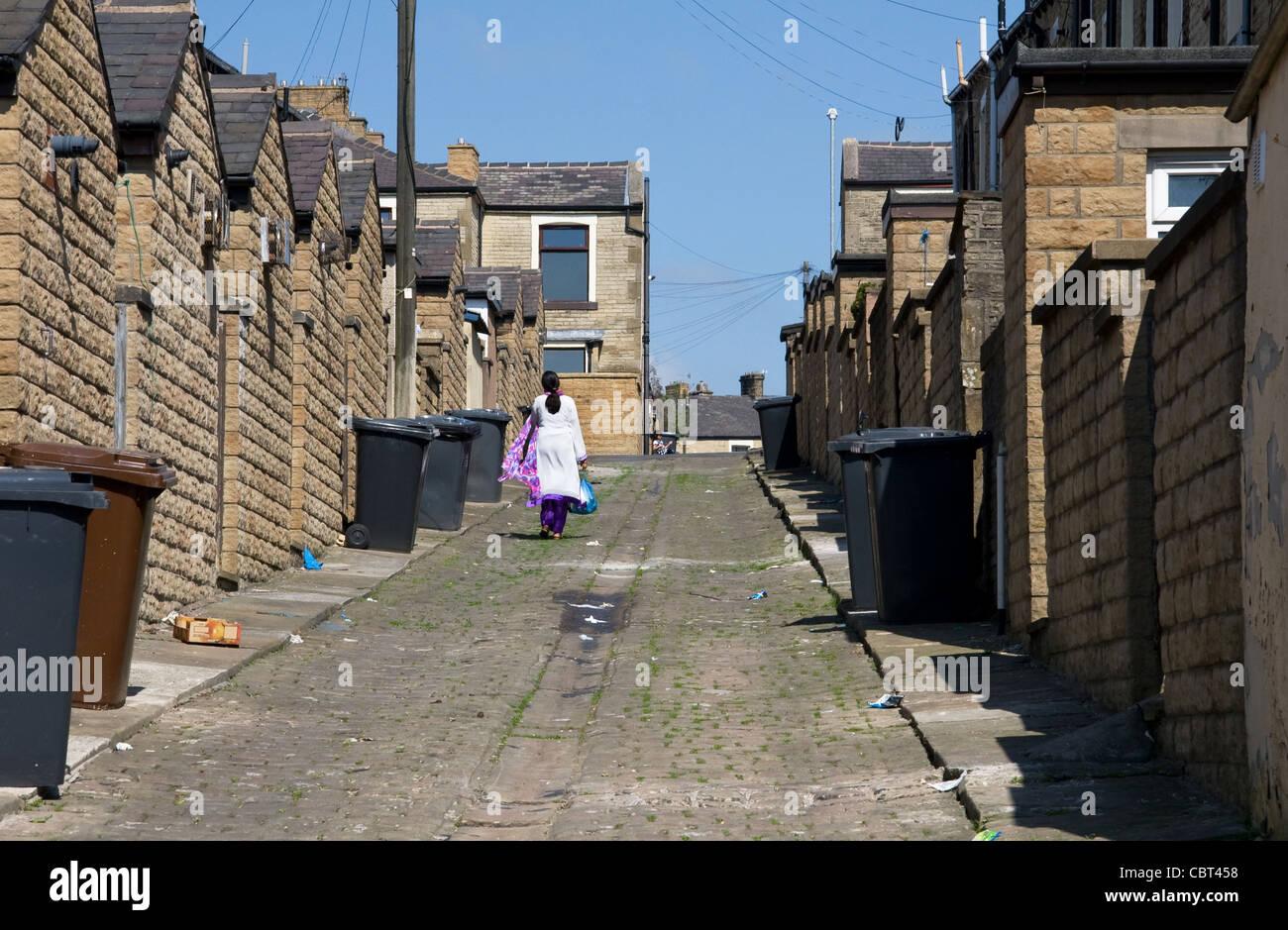 Back alleyway of terraced housing, Nelson, Burnley ...