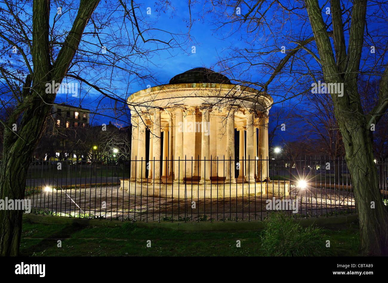 The Maitland's Rotonda (Rotunda) at the end of Spianada square (esplanade) of Corfu town, Corfu ('Kerkyra') - Stock Image