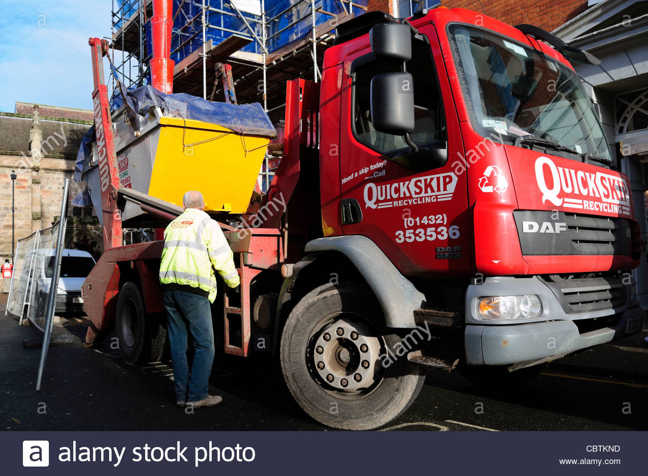731844bd39 Skip Lorry Stock Photos   Skip Lorry Stock Images - Alamy