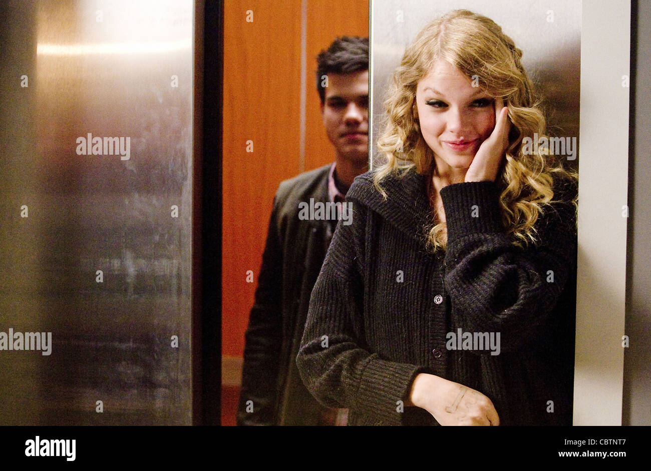 VALENTINES DAY (2010) TAYLOR LAUTNER TAYLOR SWIFT GARRY MARSHALL (DIR) 004 MOVIESTORE COLLECTION LTD - Stock Image