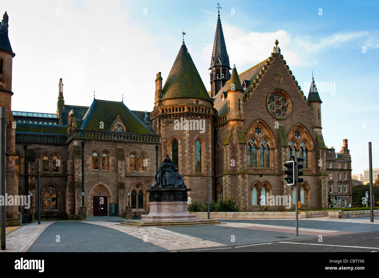 McManus Art Gallery in Dundee Scotland - Stock Image