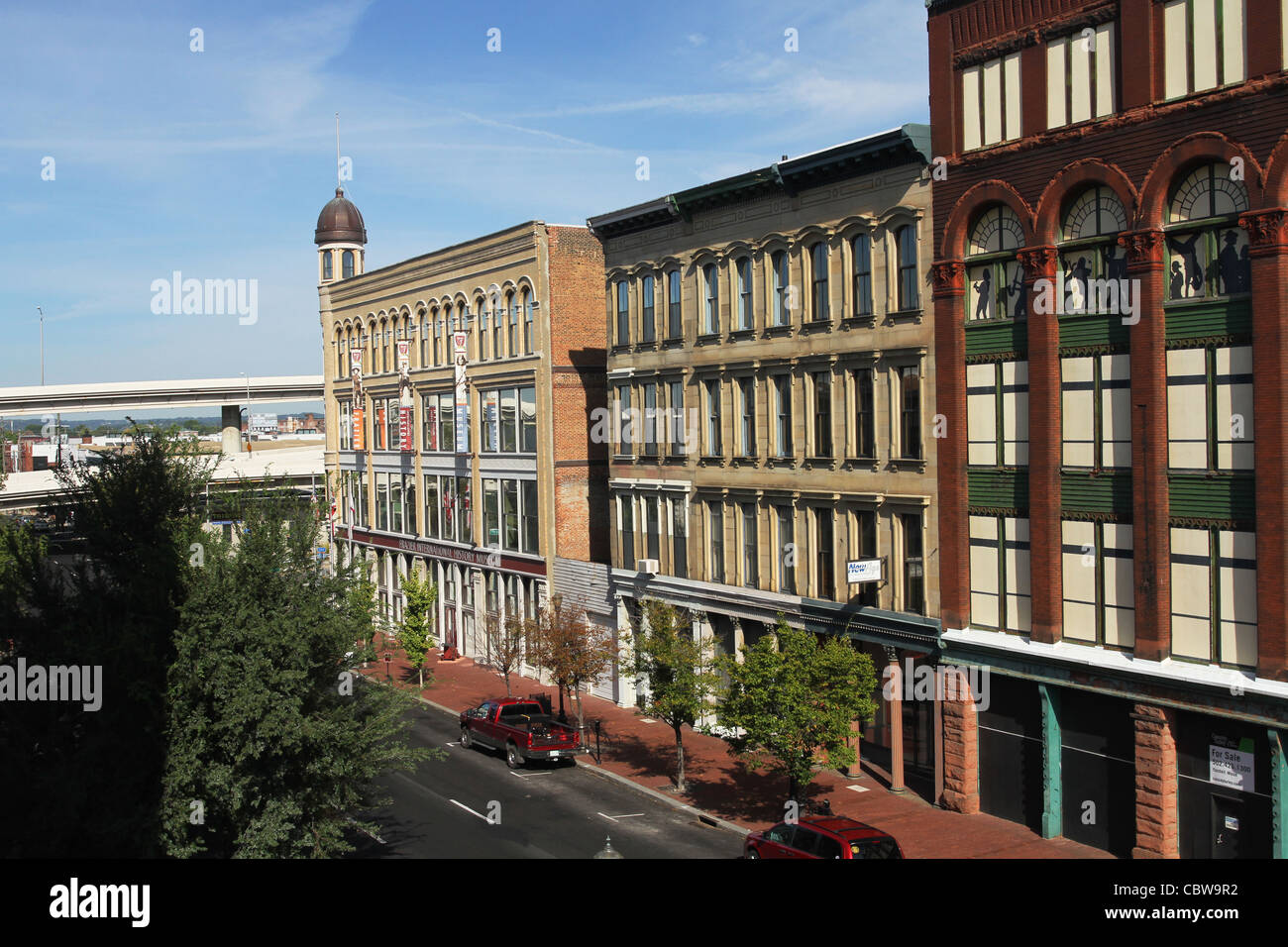 Historic Architecture. Louisville, Kentucky, USA. Frazier International History Museum at left. - Stock Image