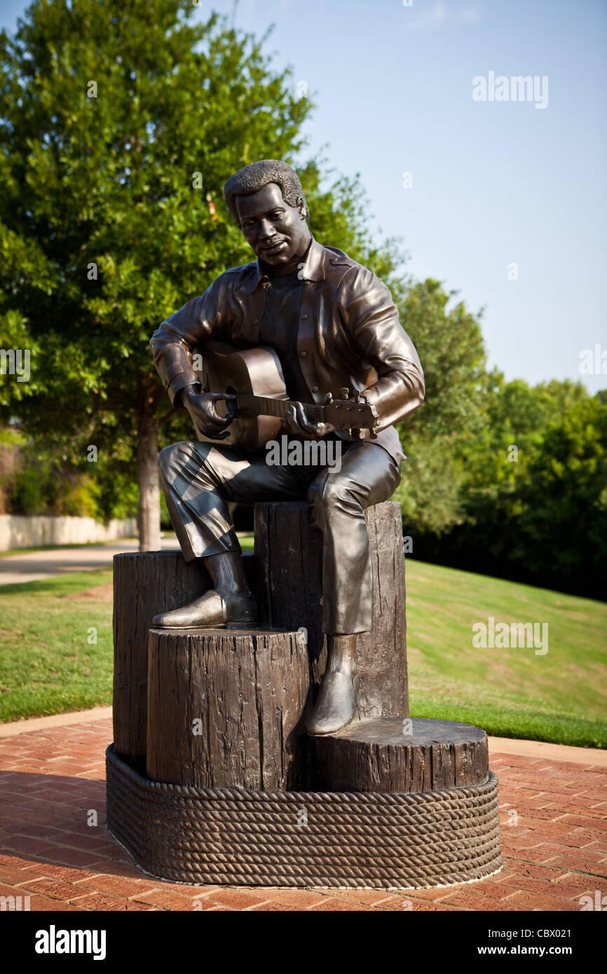 Statue of American soul singer-songwriter Otis Redding by artist Bradley Cooley in Gateway Park Macon, GA. - Stock Image