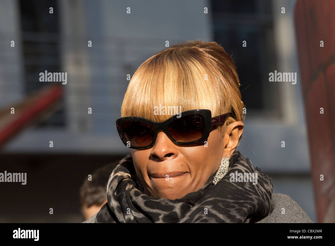 Singer Mary J, Blige on the Daily News float in Macys 2011 Thanksgiving Day Parade - Stock Image