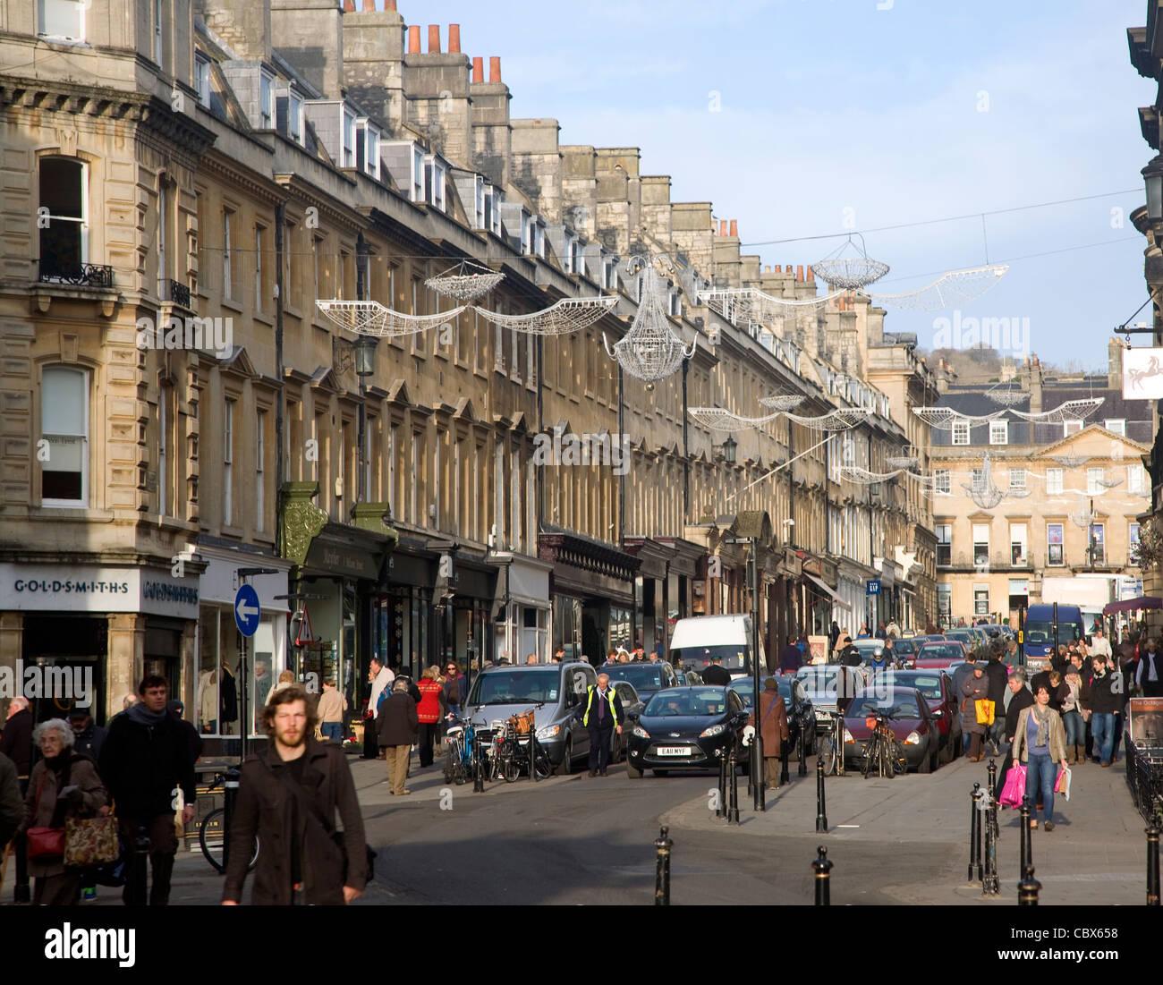 Christmas shoppers, Milsom Street, Bath, England - Stock Image