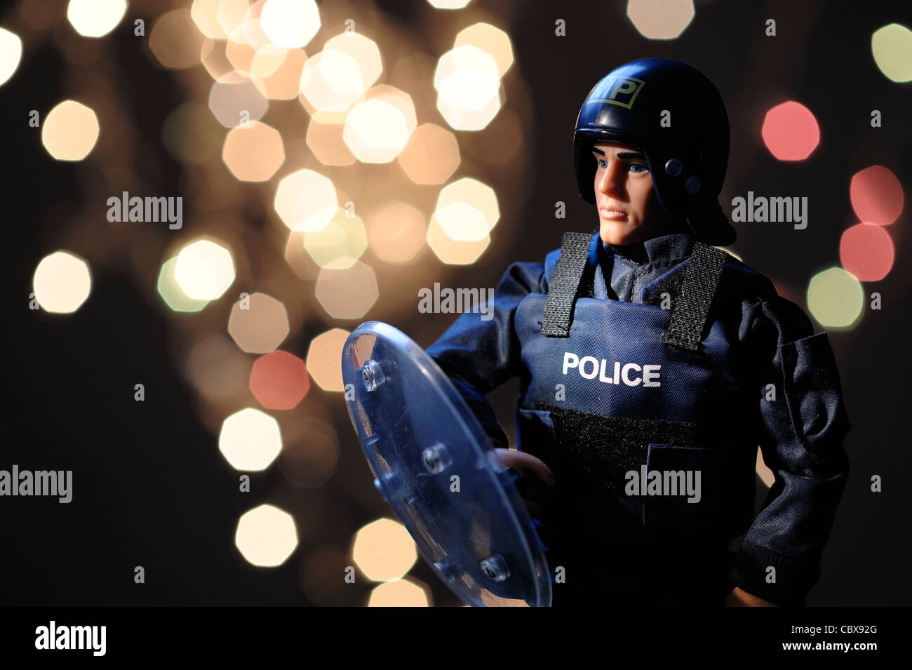 Policeman in riot gear - Stock Image