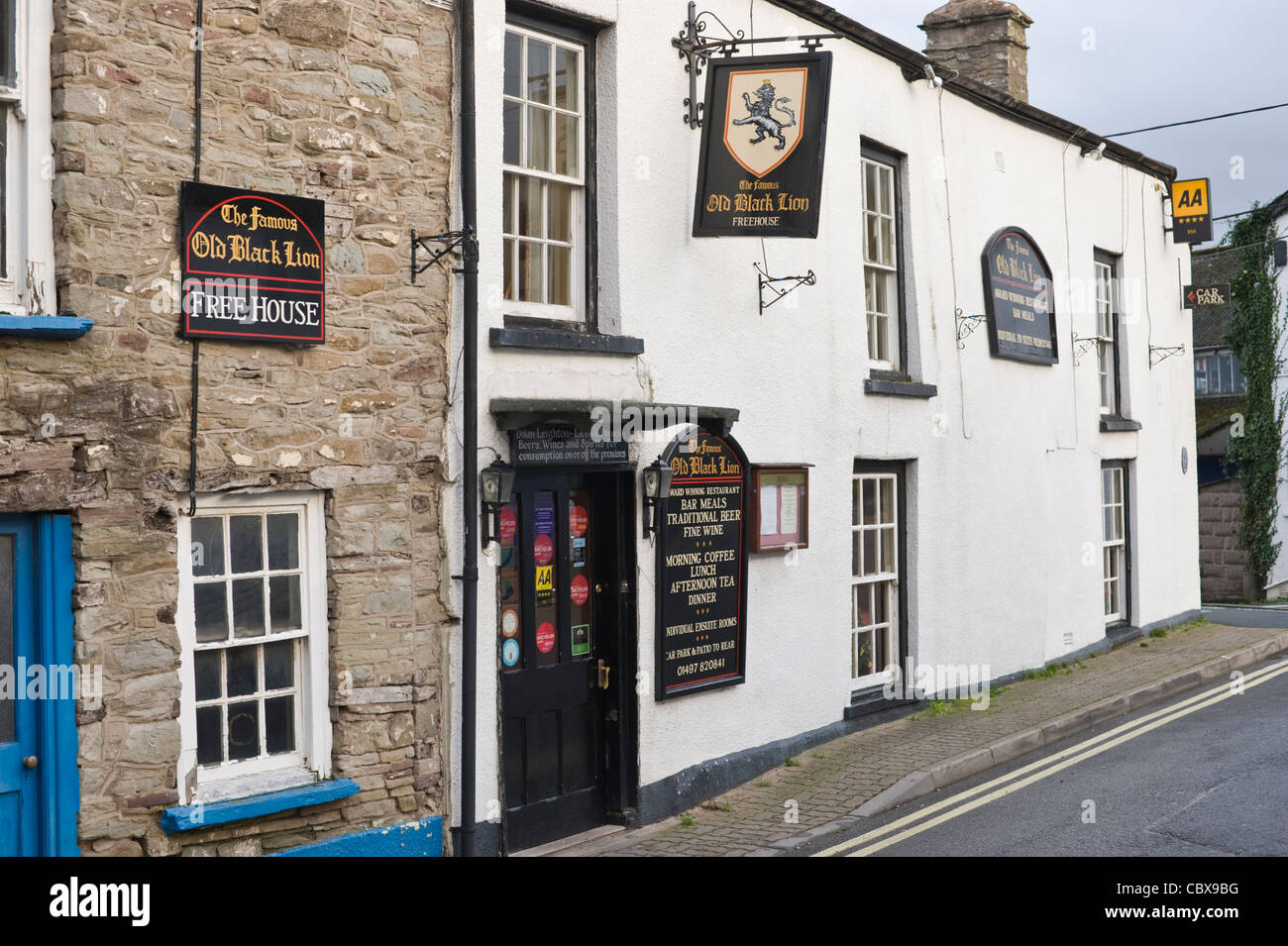 Exterior of The Famous Old Black Lion pub Hay-on-Wye Powys Wales UK - Stock Image