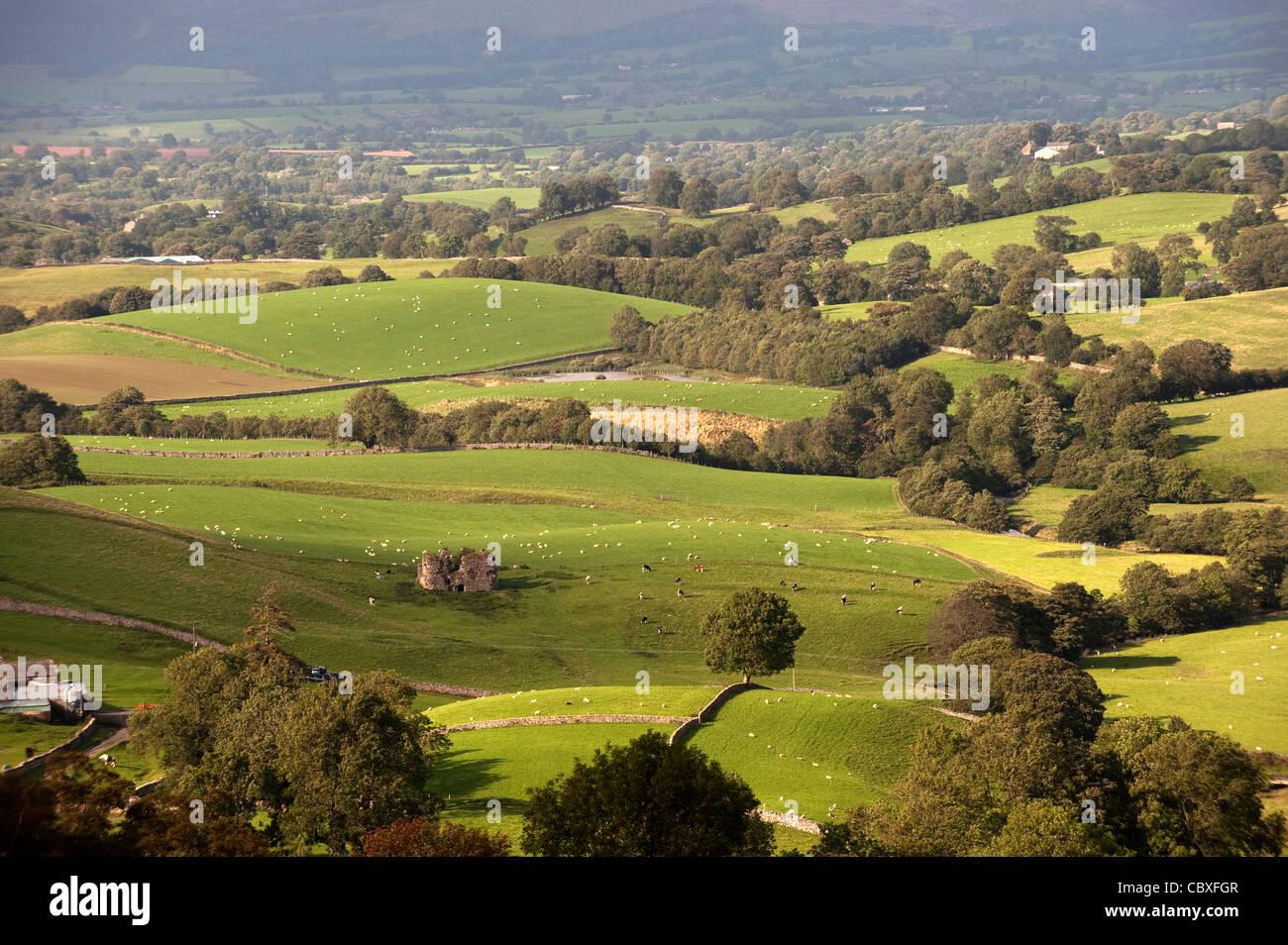 View from Wharton Fell overlooking Lammerside Castle in the upper Eden Valley near Kirkby Stephen. - Stock Image