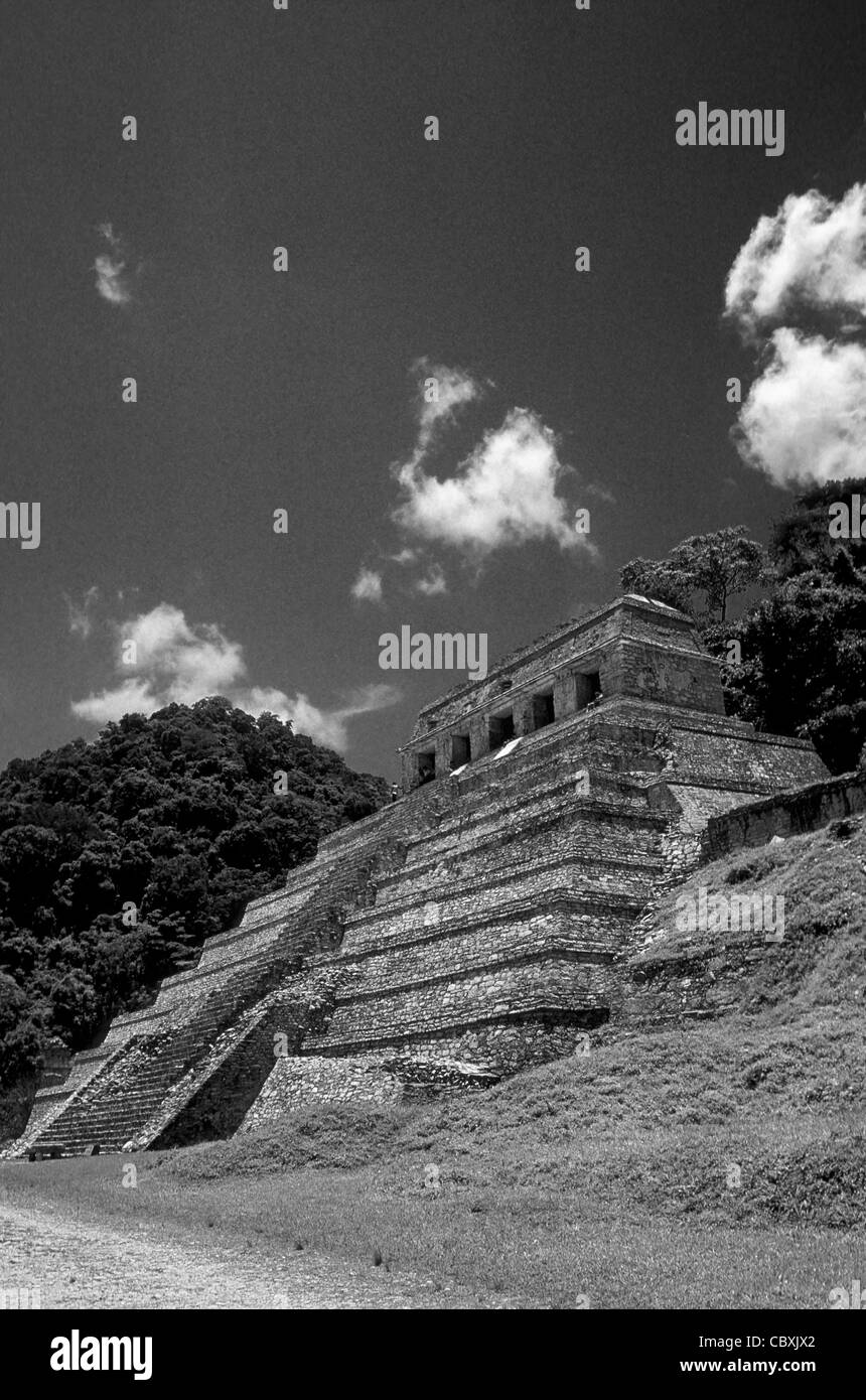 The Temple of the Inscriptions at the Mayan ruins of Palenque, Chiapas, Mexico - Stock Image