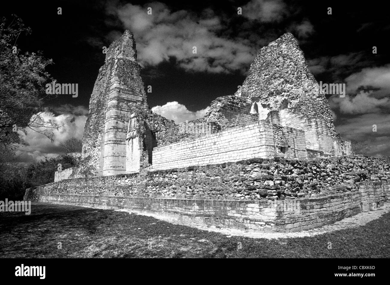 Structure 1 at the Mayan ruins of Xpujil, Campeche, Mexico. - Stock Image