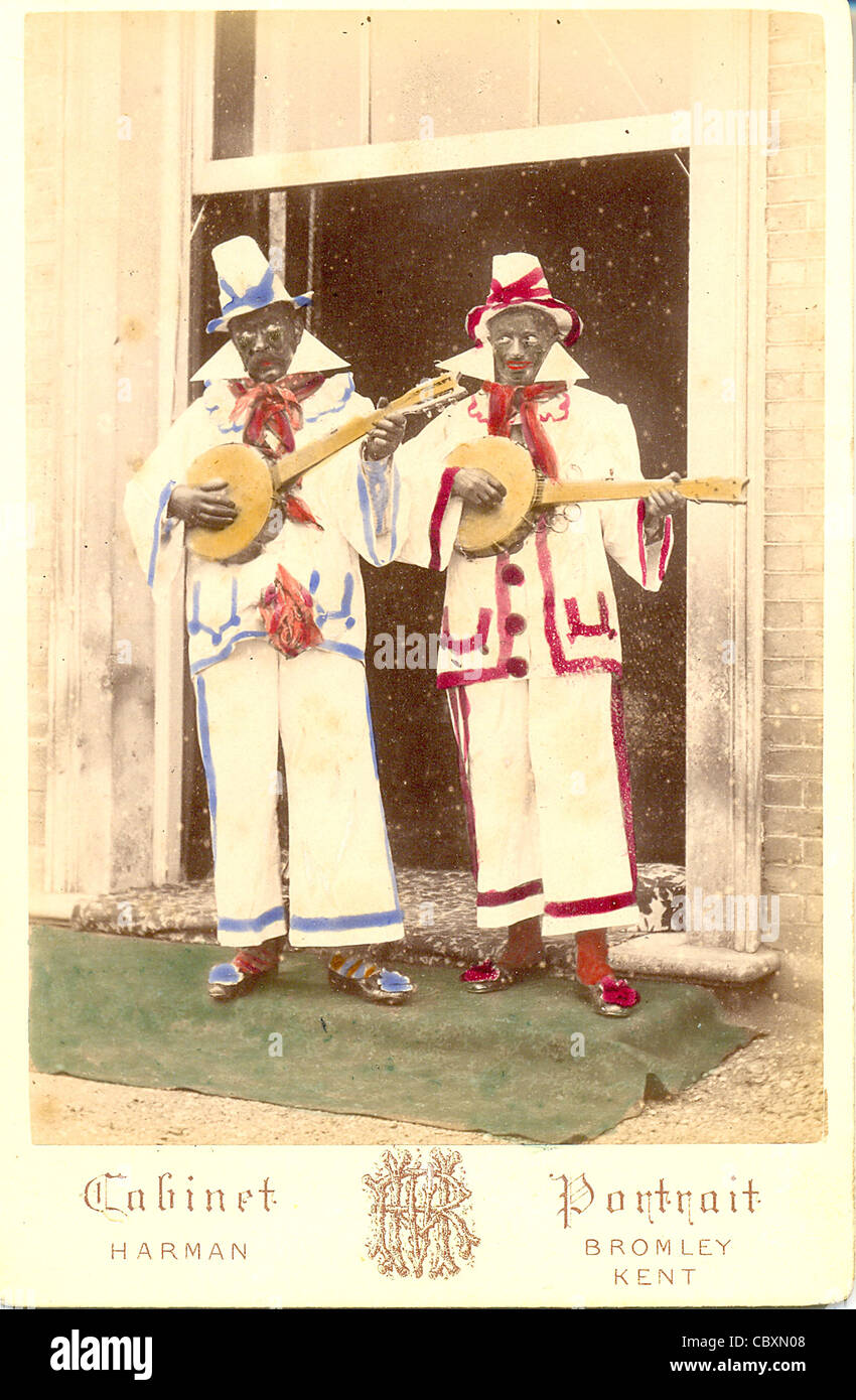 Cabinet photograph of two blacked-up minstrels - Stock Image