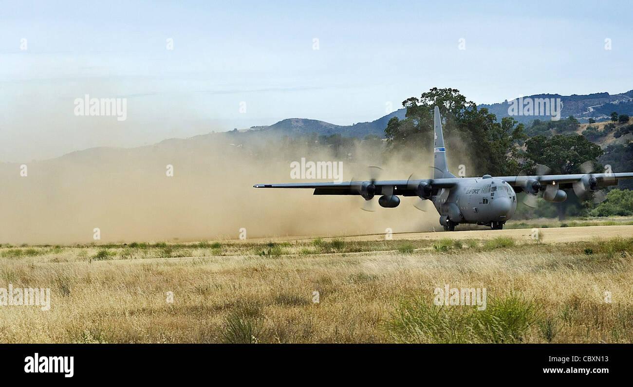 C130 landing strip photo 569