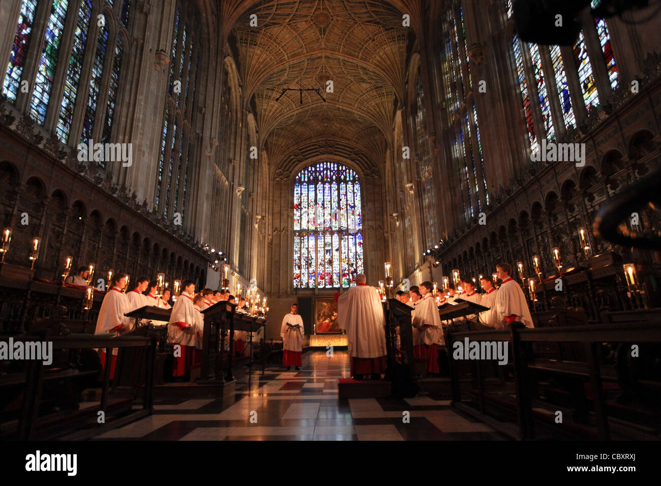 KING\'S COLLEGE CHOIR BOYS PREPARING FOR THE CHRISTMAS EVE SERVICE ...